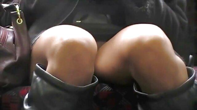 Aleandraandra spült sie im pornofilme online Badezimmer