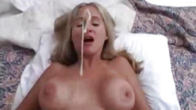 Frau finger mich, während ich Brüste deutsche pornofilme online habe
