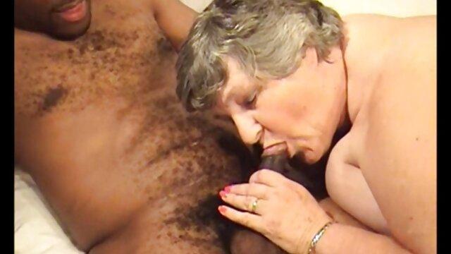 Brasilianische Blondine gefickt von zwei kostenlos pornos online gucken Frau